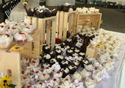 4g-Grove-Wedding-Desert-Table